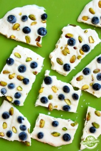 Blueberry-and-pistachio-yogurt-bars